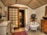 12-bh-guest-house-bath-9