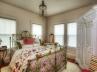 10-wh-guest-bedroom
